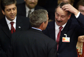 ESTONIAN PREMIER KALLAS MEETS WITH U.S. PRESIDENT BUSH AND BULGARIANPRESIDENT PARVANOV IN PRAGUE.