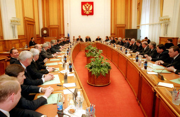 PRESIDENT PUTIN AND ACTING PRIME MINISTER KASYANOV HEAD THE CABINET MEETING IN MOSCOW.