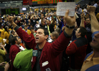 Trader Paul DeLucia calls out a trade in the S&P pit at the Chicago Mercantile Exchange