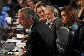 Argentina's President Kirchner speaks at the Espacio Riesco conference center for the XVII Iber-American Summit in Santiago