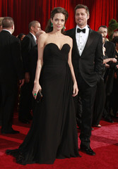 Nominees Brad Pitt and Angelina Jolie pose at 81st Academy Awards in Hollywood