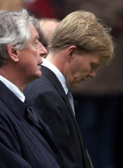 DUTCH PRIME MINISTER WIM KOK AND CROWN PRINCE WILLEM ALEXANDER DURING COMMEMERATIVE MARCH IN ...