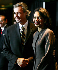 Canadian Minister of Foreign Affairs Pettigrew greets US Secretary of State Rice in Ottawa