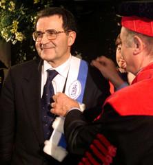 EUROPEAN COMMISSION PRESIDENT ROMANO PRODI RECEIVES AWARD.