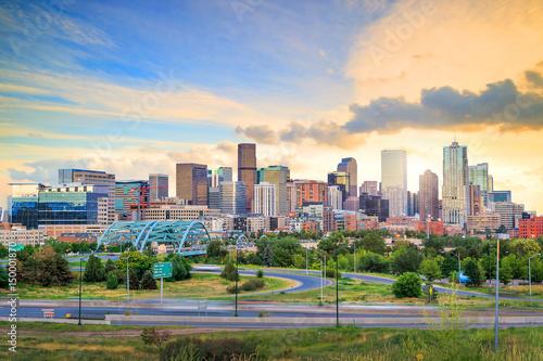 Fotomurales Panorama of Denver skyline at twilight.