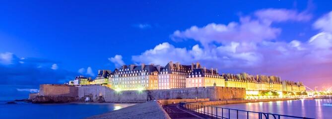 Photo sur Aluminium Bleu fonce Saint-Malo en Bretagne, France