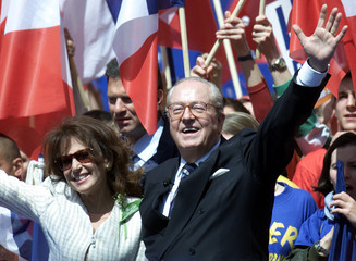 French extreme-right National Front presidential candidate Jean-Marie Le Pen (R) and his wife Jany (..