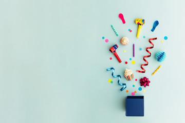 Fototapeta Party objects in a gift box obraz