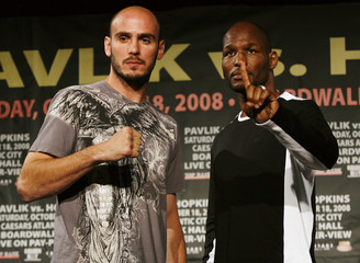 Undefeated world-middleweight champion Kelly Pavlik poses with former world champion Bernard Hopkins in New York