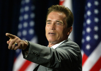 CALIFORNIA GOVERNOR ELECT ARNOLD SCHWARZENEGGER HOLDS PRESS CONFERENCE.
