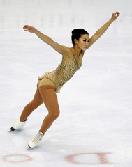 Michelle Kwan skates to her ninth women's U.S. figure skating championship.