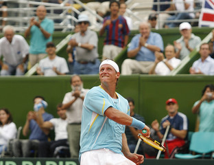 Argentina's Nalbandian reacts after defeating Britain's Baker in their Davis Cup tennis match in Buenos Aires