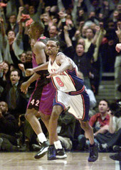 KNICKS SPREWELL REACTS AFTER 3 POINT SHOT VS RAPTORS IN NBA GAME.