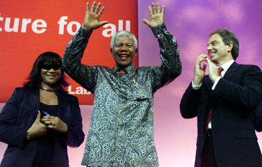 FORMER SOUTH AFRICAN PRESIDENT NELSON MANDELA ADDRESSES THE LABOUR PARTY CONFERENCE.