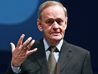 Former prime minister of Canada Jean Chretien delivers a speech at the 3rd Global Competitiveness Forum in Riyadh