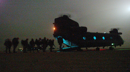 BRITISH ROYAL MARINES FROM C-COMPANY 40 COMMANDO BOARD CHINOOKHELICOPTERS FROM 18 SQUADRON RAF IN ...