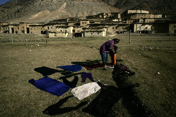 A woman does the laundry in Anfgo.