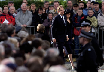 PRIME MINISTER TONY BLAIR AND WIFE CHERIE ARRIVE FOR THE FUNERAL OF DONALD DEWAR.