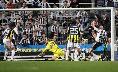 Newcastle United's Sibierski scores against Fenerbahce during their UEFA Cup soccer match in Newcastle