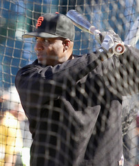 Giants' Bonds warms up before a game against the San Diego Padres in San Francisco