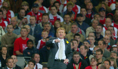 SOUTHAMPTON MANAGER STRACHAN GESTURES AT THE FA CUP FINAL IN CARDIFF.