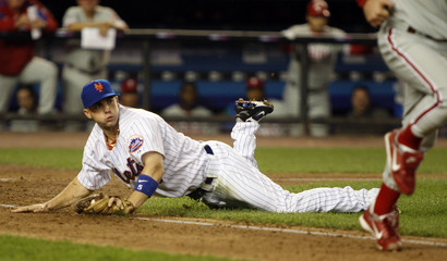 New York Mets' Wright makes double play against Philadelphia Phillies in New York