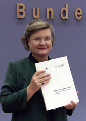 HEDDA VON WEDEL HOLDS THE ANNUAL REPORT OF THE FEDERAL AUDIT OFFICE IN BERLIN.