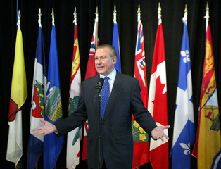 ONTARIO PREMIER EVES COMMENTS AT START OF FIRST MINISTERS MEETING.