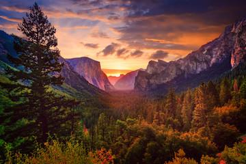 Yosemite Tunnel View at Sunrise Wall mural
