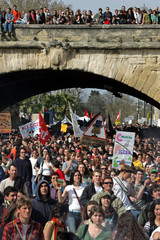 Students and unionists demonstrate against CPE in Montpellier