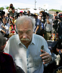 Bob Schindler father of Terri Schiavo leaves a press conference in front of the Woodside Hospice.