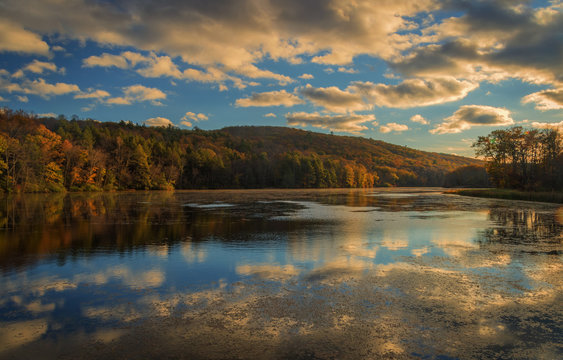 USA, West Virginia, Delaware Watergap Recreational Area. Sunset on Hidden Lake. Credit as: Jay O'Brien / Jaynes Gallery / DanitaDelimont.com