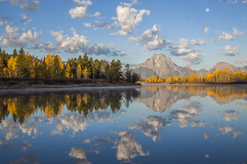 USA, Wyoming, Grand Teton National Park, Mt. Moran is reflected in the Snake River in autumn.