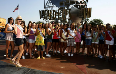 Miss Teen USA 2006 Blair (L) visits the Miss Teen USA 2007 contestants during their visit to Universal Studios in Universal City