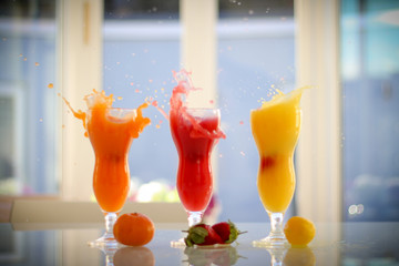 Fruit drinks splash