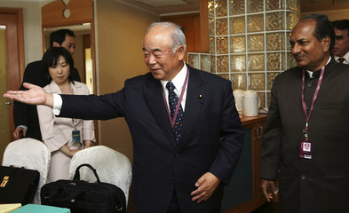Japan and India Ministers of Defence meet in Singapore during the Asian Security Summit
