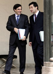 France's National Education Minister Francois Fillon (L) and Minister-delegate for Industry Patrick ..