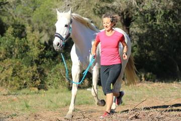 Trendsport: Joggen mit Pferd