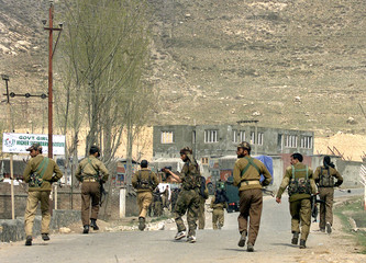 REINFORCEMENT FOR INDIAN ARMY RUSH TO THE SCENE OF A GUN BATTLE IN KHREW.