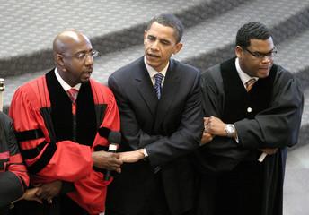 "US Democratic presidential candidate Obama sings ""We Shall Overcome"" at Ebenezer Baptist Church in Atlanta"