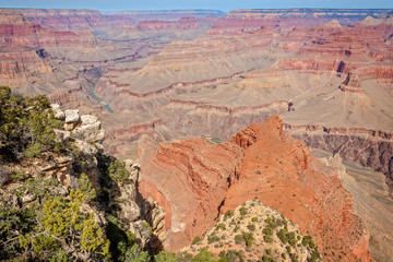 View from Mohave Point with Colorado river in the background in Grand Canyon