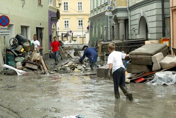 CLEANING UP AFTER THE FLOODS IN YBBS IN LOWER AUSTRIA.