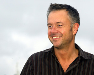 - PHOTO TAKEN 16SEP05 - British film director Michael Winterbottom poses for photographers at San Se..