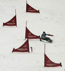 Canadian Jasey Jay Anderson makes his way to a first place finish at World Snowboarding Championships.