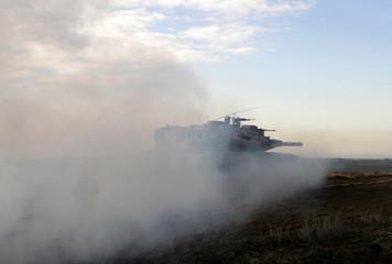 Israeli tank moves towards border with northern Gaza