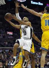 Spurs' Parker drives to the basket during Game 3 of  Western Conference semi-final NBA basketball playoff series in San Antonio
