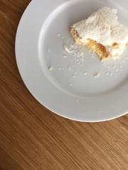 Angebissener Kokosskuchen