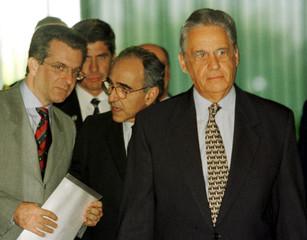 PRESIDENT CARDOSO UNVEILS ANTI CRIME MEASURES AT PLANALTO PALACE IN BRASILIA.