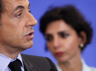 France's President Sarkozy and Justice Minister Dati attend a reception at the French community in Algiers