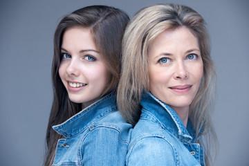 mère et fille jeans beauté